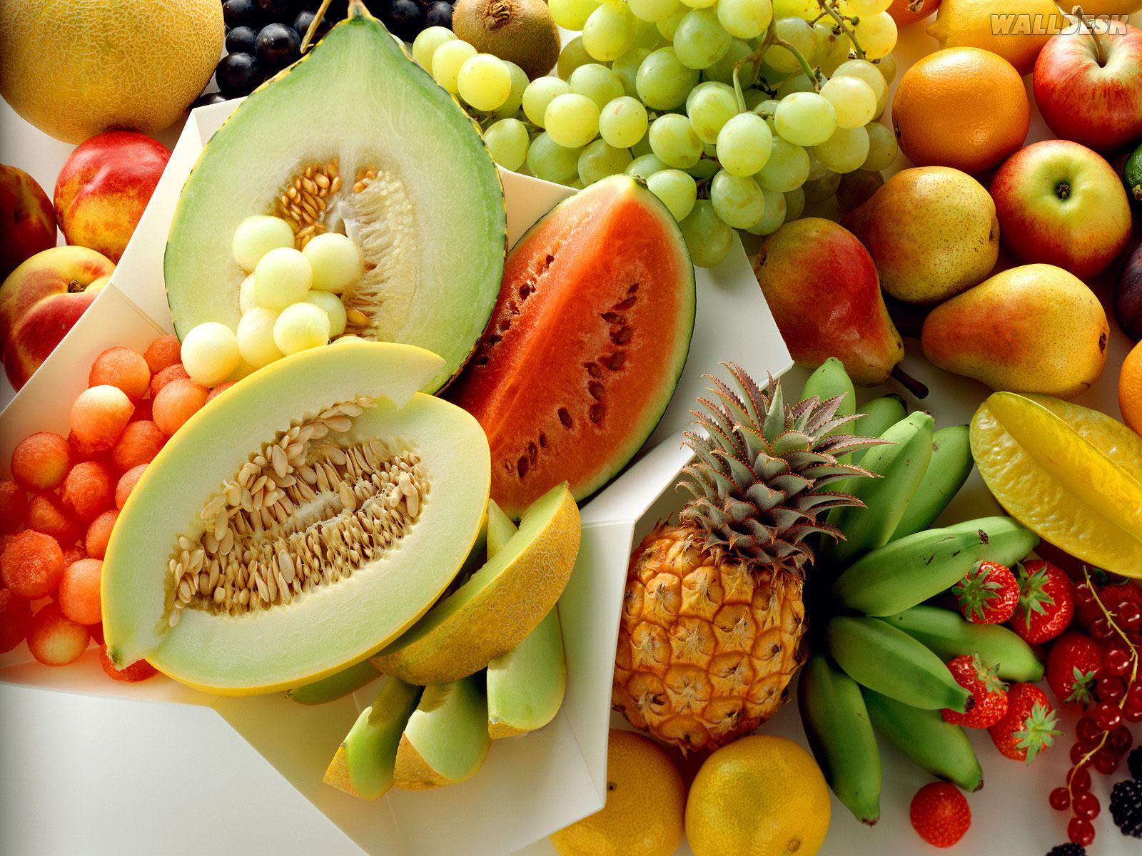 Veja os alimentos que você pode comer e evitar durante a amamentaçâo